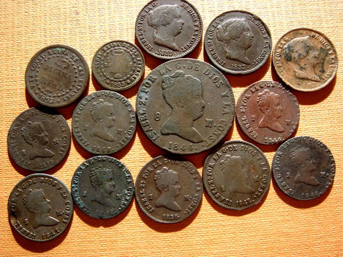 Spain – Isabel II (1833 – 1869), lot of 14 various coppers (Standing the 2 maravedi (8), with the 8 maravedi, the tenth real, the 1/2 of real and the 10 cent of real (3). Mint of Segovia. (14)