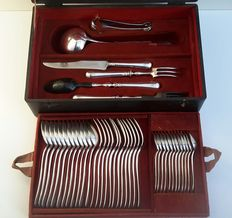 Silver plated Christofle cutlery case, 40 pieces, model Fidélio, France 1844 - 1862