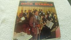 A fantastic lot of 3 very rare jazz/bigbands albums by Dick Stabile, Gene Krupa and James Least. And further a doublealbum and 1 album by Louis Arnstrong and 3 albums by the great Vera Lynn + a great 8albums box with bigbands.