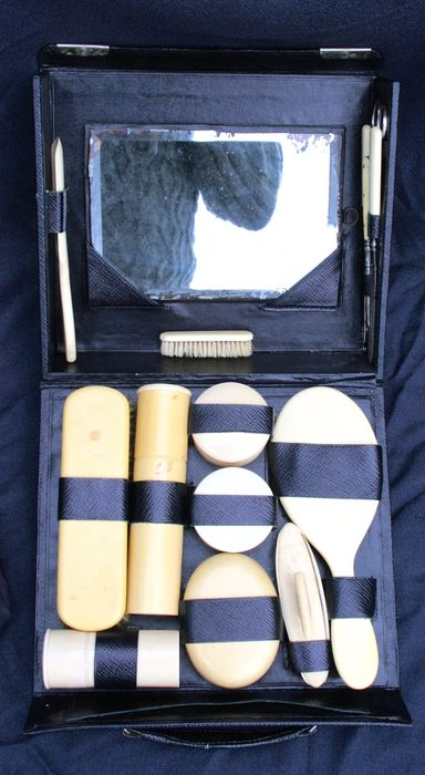 Toiletry travel kit in white bakelite, imitating ivory circa - 1925