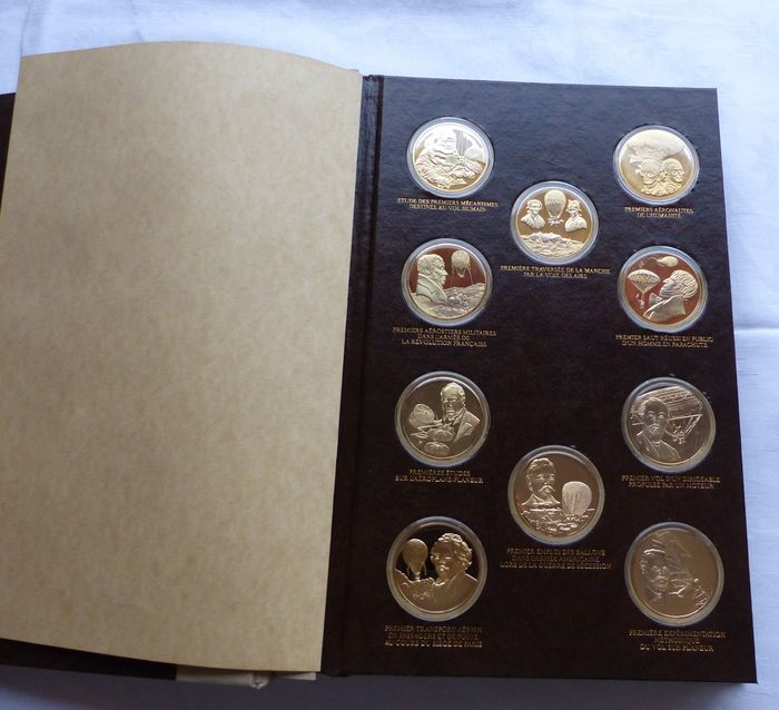 "France - Collection of 50 medals ""History of the Conquest of the Skies"" - Silver-Gilt."
