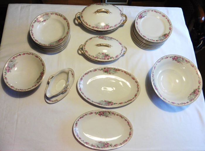 In Fuisseaux-Baudour - Table service - 31 pieces