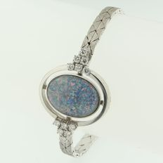 14 kt white gold bracelet set with a double opal and brilliant cut diamonds, length 18 cm