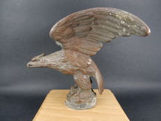 Original Vintage Bronze Car Mascot Eagle Bird Mascot Measures 13.5 cm wingspan 11 cm Length, 12 cm Height and 10 cm x 10 cm Base
