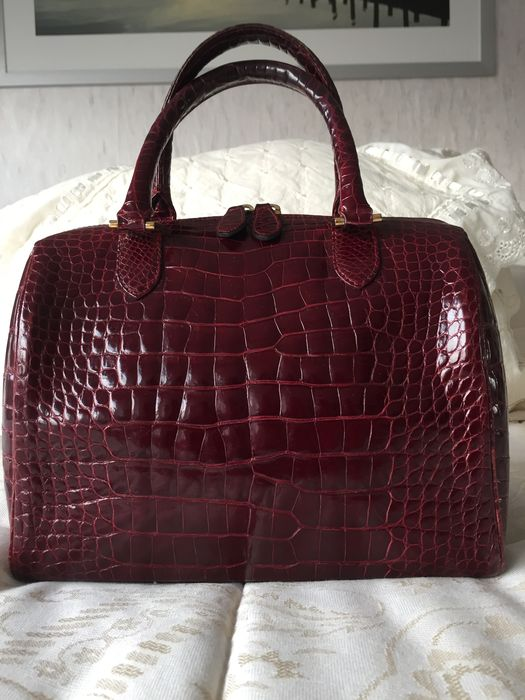 Kwanpen - Crocodile Leather Hand Bag