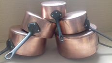 Lot of five pots of quality, tinned copper, iron handle