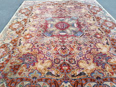 Incredible and breathtaking rare antique Persian Kaschmar! 100 % hand-woven ! SIGNED!