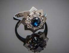 14 kt gold Star-shaped designer ring 0.24 ct diamonds & 1 ct cornflower blue sapphire - ring size 57 / US 8 / 18 mm in diameter