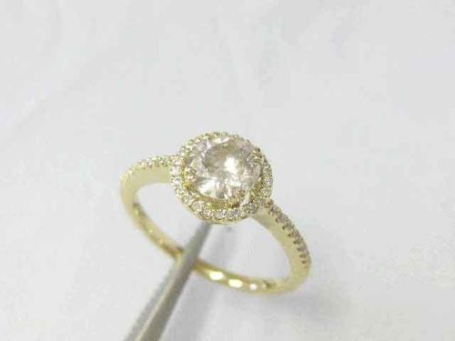 1.10 ct Genuine, natural diamond engagement ring, solid 14 kt yellow gold, Halo, 'No reserve'