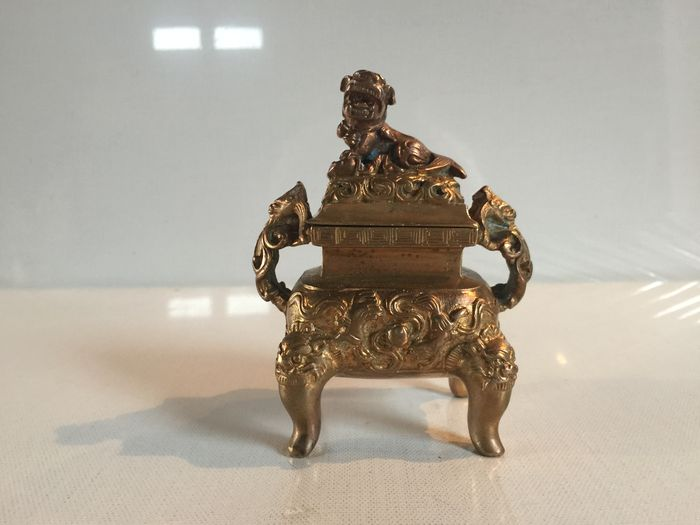 Bronze Foo dog incense burner– China – mid-20th century