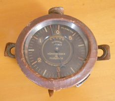 Altimeter used in the early aircrafts at the beginning of the 20th century - made in Germany