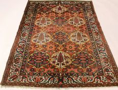 Magnificent antique Persian carpet, fine fields, Bachtiar around 1910, plant colours, 153 x 210 cm, made in Iran