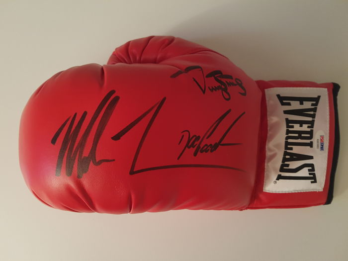 Autographed Everlast boxing glove / Mike Tyson - Darryl Strawberry – Dwight Gooden.