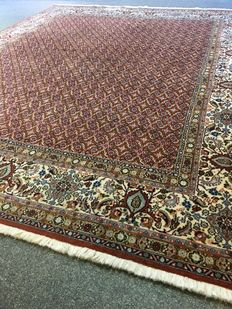 Beautiful hand-knotted Persian Moud / Herati with natural colours! Approx. 240 x 300 - in top condition - Persia - free fast shipping to Europe!