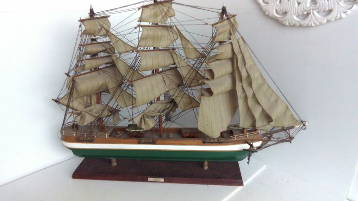 Wooden ship model, clipper - 1845 - rainbow - France - ca. 1955.