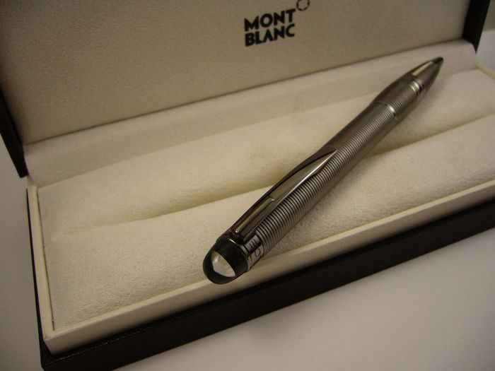 Montblanc Starwalker Midnight Black Metal ballpoint pen