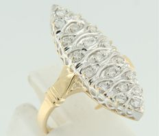 18 kt bi0colour gold marquise ring set with 19 brilliant cut diamonds, ring size 16.5 (52)