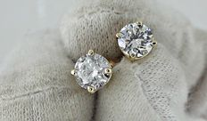 IGL 1.40 ct round diamond stud earrings 14 kt yellow gold