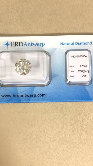 3,03 ct. round cut diamond J VS2