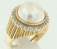 18 kt bicolour gold ring with cultivated freshwater pearl and octagon cut diamonds - ring size 17.5 (55)