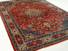 """Sarough - 324 x 215 cm - """"Large Persian beauty in vivid colours – Beautiful condition""""."""