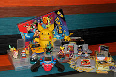 Huge lot of Pokemon goodies & games - GB Color Pokemon edition, Pokemon games for GB Color & N64, movies, figurines, etc