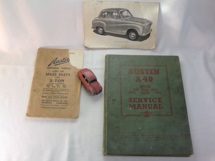 England - Austin A40 Series Service Manual - Austin A30 Seven Saloon Onderhouds Boekje - Austin Spare Parts - 1952 with Dinky Toys Austin