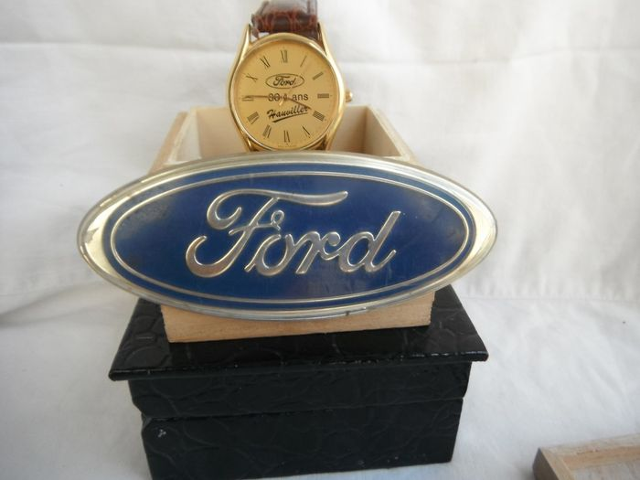 Ford - old and rare Ford watch - super quartz Ford + plate 11 cm