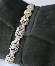 765K  White gold Art Deco bracelet approx. 1920/1940, with diamonds in brilliant cut and 8/8 cut ca. 1.65 ct.
