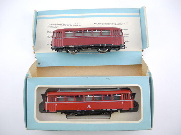 "Märklin H0 - 3016 - Diesel train carriages with sidecar BR795 ""railcar"" of the DB, dark-red [167]"