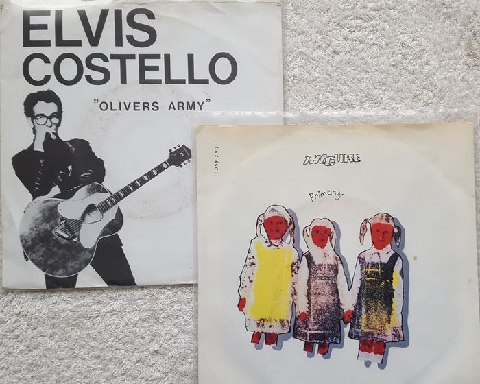 Lot of 50 vinyl singles New Wave and related styles with special items of Blondie, The Cure & Elvis Costello