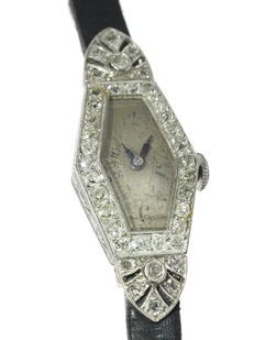 Art Deco ladies' wrist watch in white gold and platinum embellished with brilliants, 1920