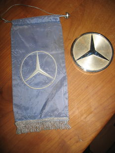 Mercedes-Benz - Flag and paper weight
