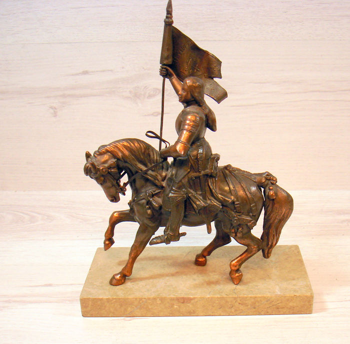 """Knight on horseback"" in bronze on marble - ca. 1920 - France"