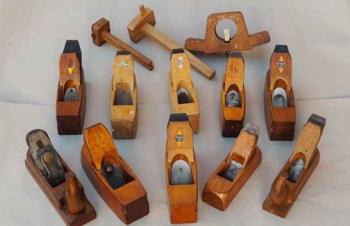 Wooden hand tools planing-13 pieces-j. Nooitgedagt IJlst