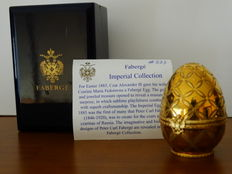 "Fabergé - Authentic Imperial Egg Fabergé ""Clover"" - porcelain from Limoges  - gold plated 24 Kt - signed - numbered"
