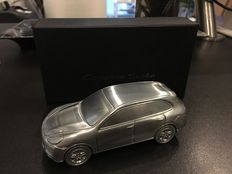 Porsche Cayenne Turbo Dealer's Model. Limited Edition in solid aluminium - Scale 1/43