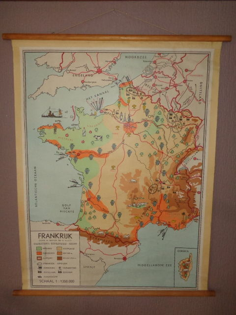 Old school map/map/school poster of France by Baker and Rusch, with for  example its wine regions (Champagne Loire Rhone), Eifel Tower, etc. -  Catawiki