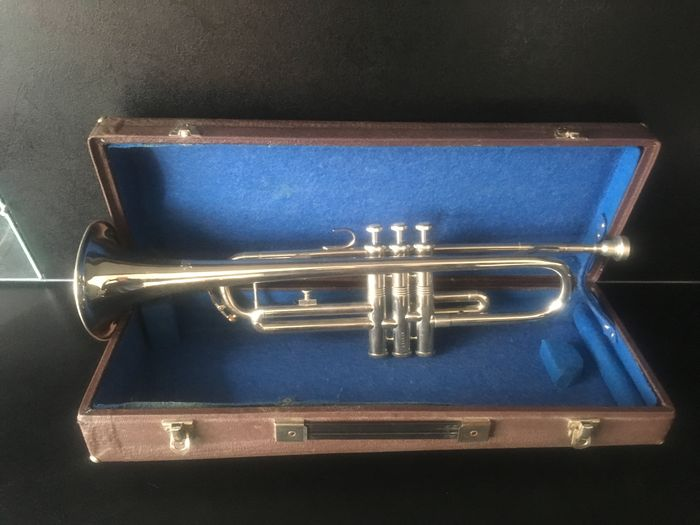 Amati Kraslice trumpet with mouthpiece and case
