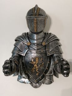 "Toilet Paper Holder - ""Knight"""