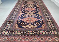 Beautiful, finely knotted, Kazak Persian carpet, rug - 166 x 91 - with certificate - 500,000 kn / m² - no reserve.
