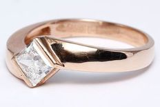 1.00 Ct.Men's solitaire diamond ring made of 14 kt hallmarked rose gold