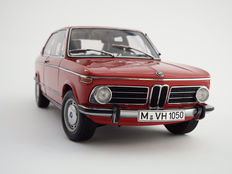 AUTOart - Scale 1/18 - BMW 2000 Touring red 1971
