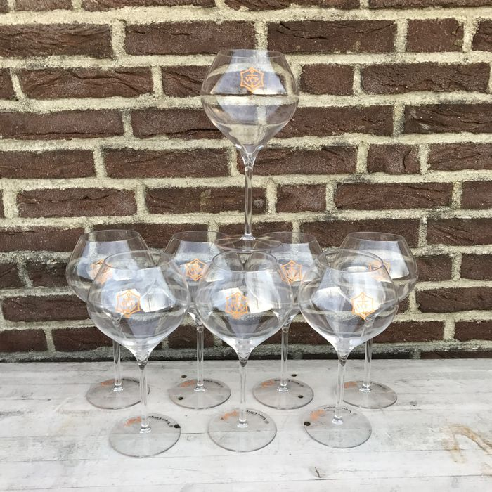 Veuve Cicquot Rich Champagne Glasses – 8 pieces
