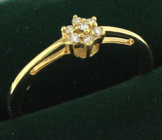 Yellow gold ring inlaid with diamond, 0.07 ct.