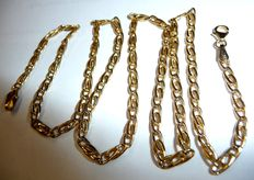 Wide, long 8 kt / 333 gold necklace, Figaro pattern chain, no reserve price