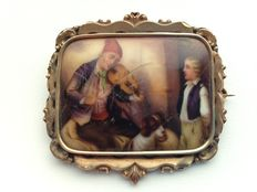Sizeable 14 karat gold brooch, painted porcelain plaque, special item of jewellery