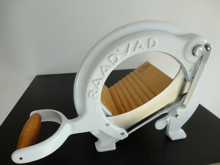 RAADVAD Vintage Bread Slicer / Cutter no. 294,  White - Original Paint