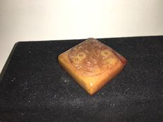 Shoushan stone stamp with image of 2 fancy goldfish - China - end of 20th century