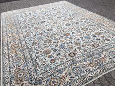 Pistachio green Persian KESCHAN in oversize - 12 square metres - approx. 393 x 300 cm - 20th century